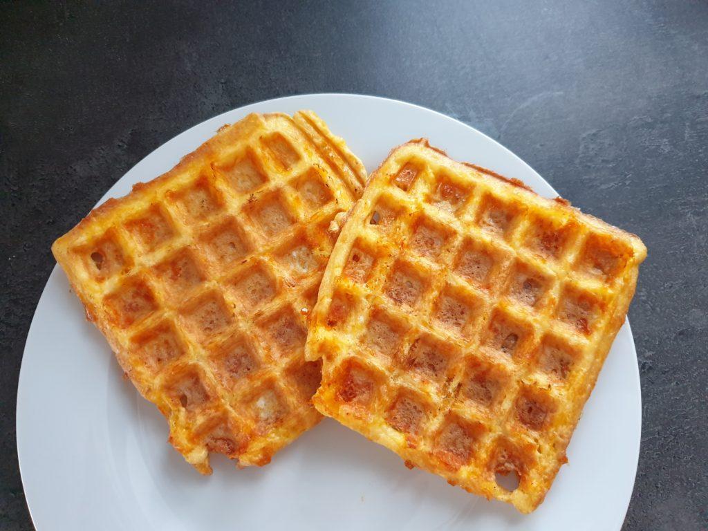 chaffle - sýrové waffle